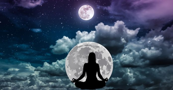 How moon influences zodiac signs